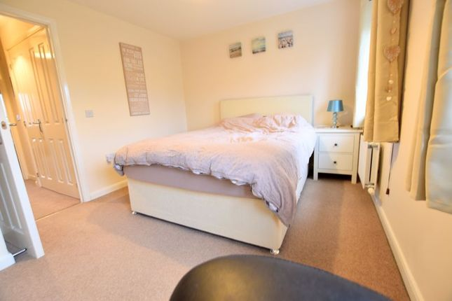Bedroom of Syward Row, Wolverton, Milton Keynes MK12