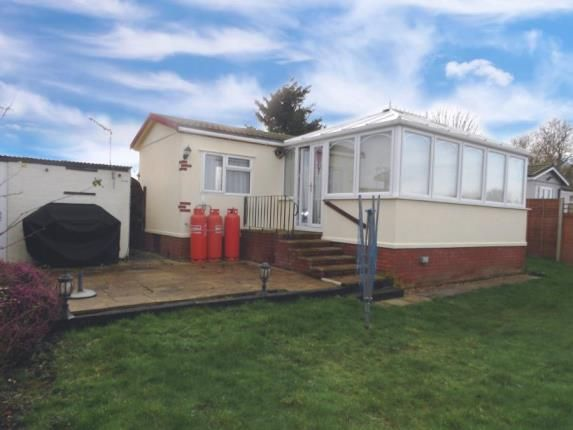 Thumbnail Mobile/park home for sale in Stratton Park Drive, Biggleswade, Bedfordshire, .