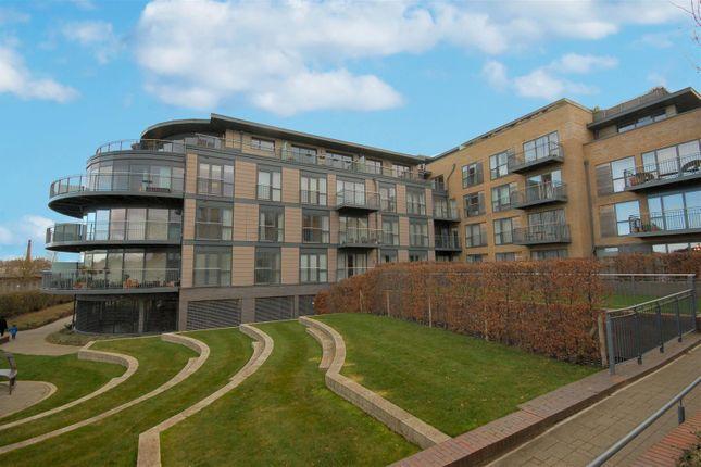 Thumbnail Flat to rent in Kingsley Walk, Cambridge