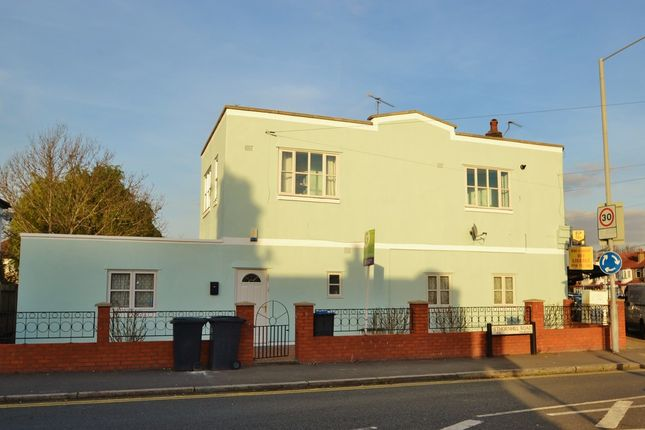 1 bed flat to rent in Red Lion Road, Tolworth, Surbiton