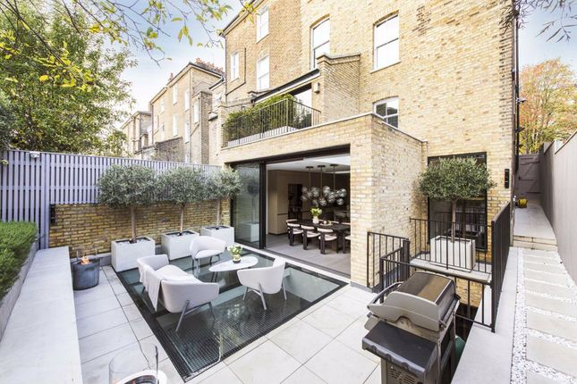 Thumbnail Property to rent in Englefield Road, London