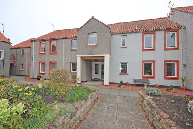 2 bed flat to rent in Carlyle Court, Haddington