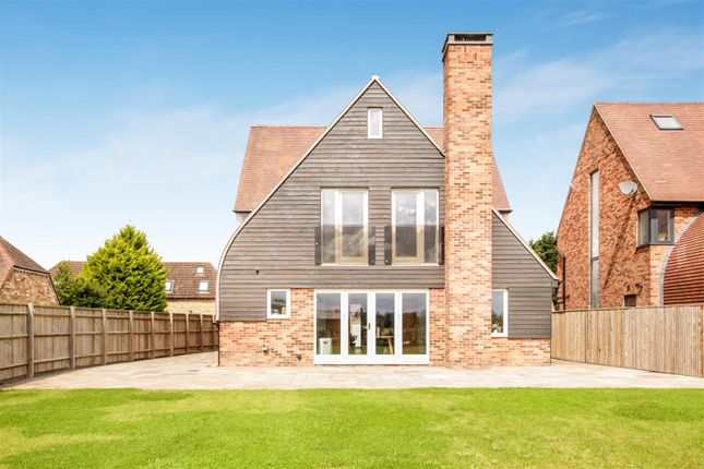 Thumbnail Country house for sale in Main Street, Poundon, Bicester