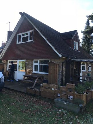 Thumbnail Bungalow to rent in Hempstead Road, Watford