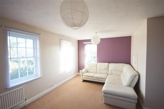Thumbnail Flat for sale in Reach Road, St. Margarets-At-Cliffe, Dover, Kent