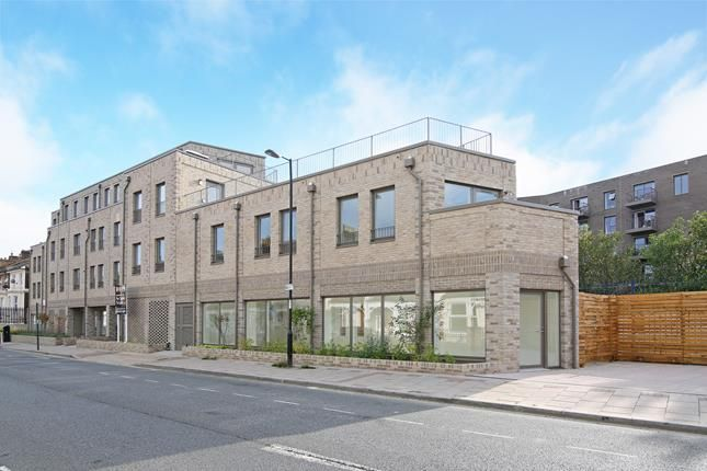 Thumbnail Flat to rent in Crest Apartments, Doggett Road, London