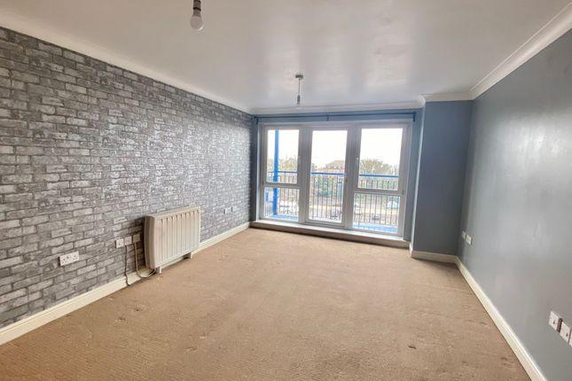 2 bed flat to rent in Fairfield Square, Stuart Road, Gravesend DA11