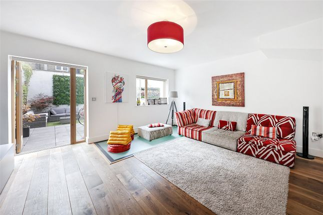 Thumbnail Terraced house to rent in Rossiter Road, London