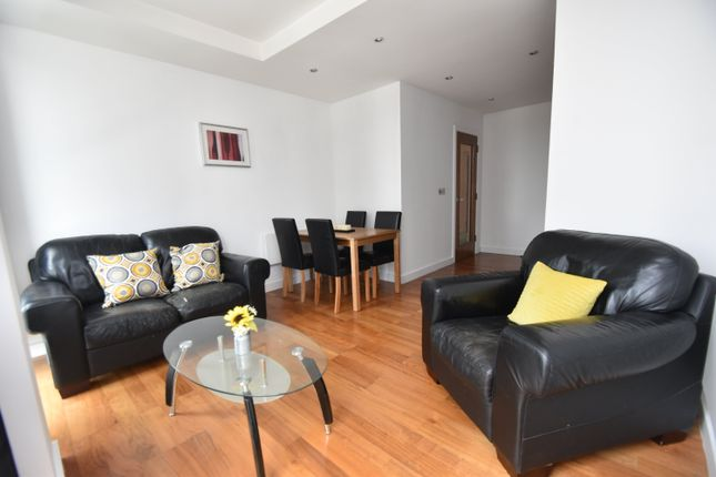 Flat to rent in Admiral House, Newport Road, Cardiff