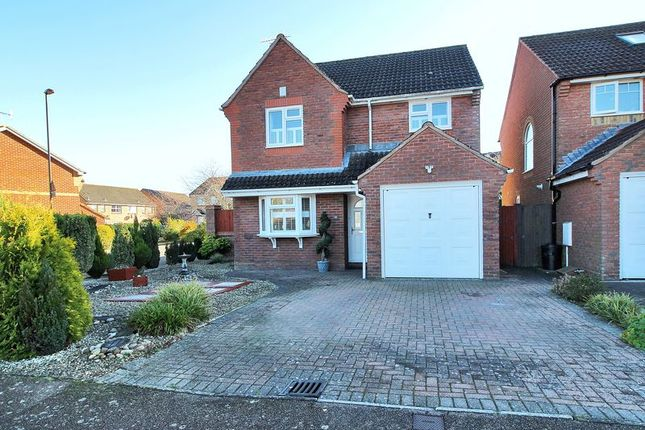 3 bed detached house for sale in Salterns Road, Maidenbower, Crawley, West Sussex