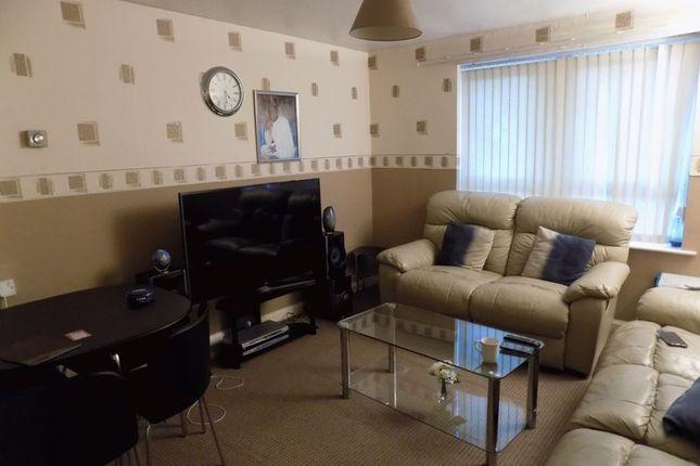Lounge of Darnay Lane, Bradford BD5