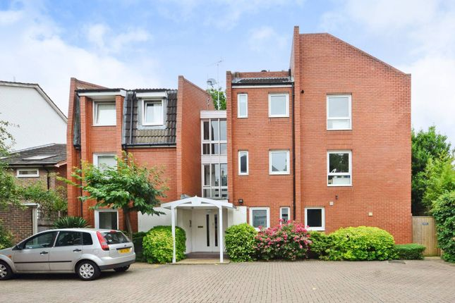 Thumbnail Flat for sale in Kingston Hill, Kingston Hill, Kingston Upon Thames