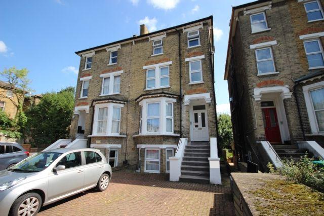 Thumbnail Maisonette to rent in Windsor Road, Ealing, London