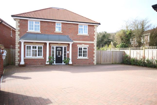 4 bed detached house for sale in South Lane, Clanfield, Waterlooville