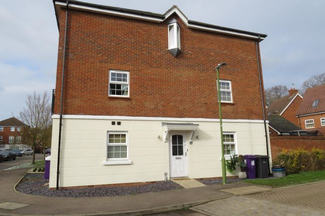 Thumbnail Property to rent in Merrick Close, Stevenage