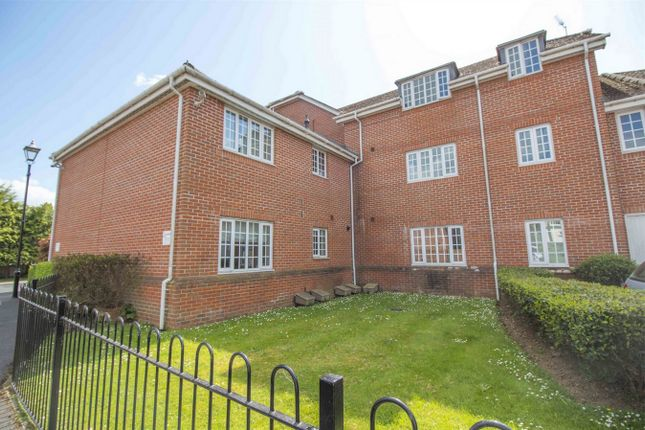 Thumbnail Flat for sale in Burberry House, London Road, Hook
