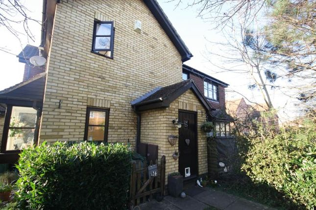 1 bed semi-detached house to rent in Devoil Close, Guildford, Surrey