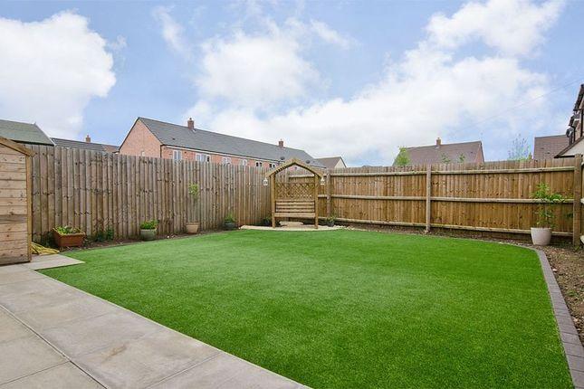priory avenue hawksyard rugeley ws15 3 bedroom semi. Black Bedroom Furniture Sets. Home Design Ideas
