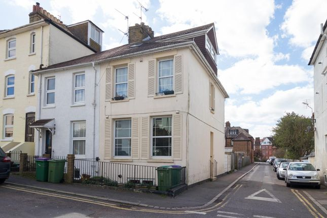4 bed end terrace house for sale in East Cliff, Folkestone CT19