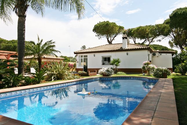 4 bed villa for sale in Chiclana De La Frontera, Cádiz, Andalusia, Spain