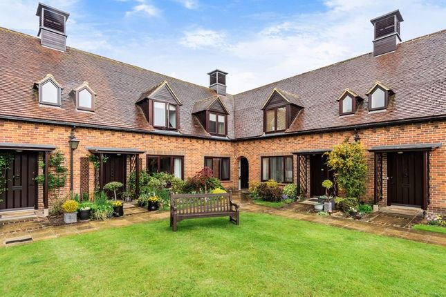 3 bed cottage for sale in Atwater Court, Lenham, Kent ME17