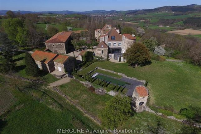 Thumbnail Property for sale in Issoire, Auvergne, 63500, France