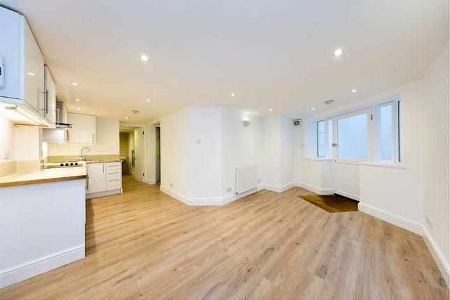 Thumbnail Flat to rent in Melville Villas Road, London