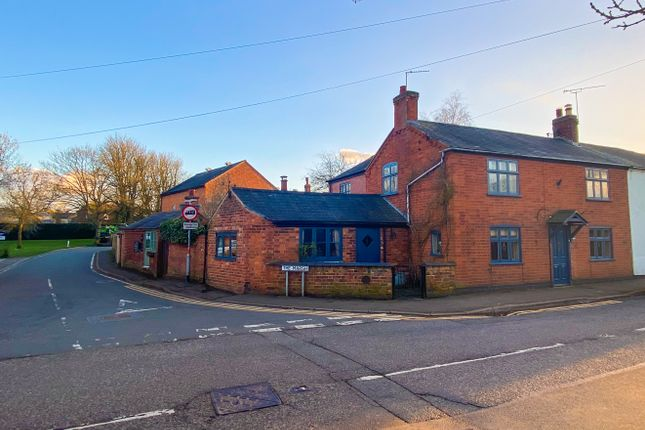 3 bed cottage for sale in Main Road, Crick NN6