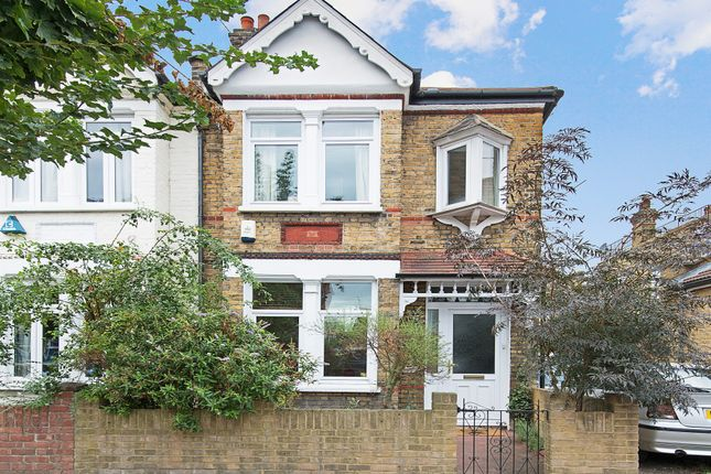 2 bed property for sale in Vernon Avenue, London