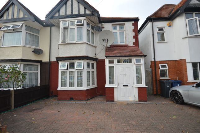 5 bed semi-detached house to rent in Sudbury Heights Avenue, Greenford UB6