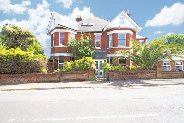 2 bed flat for sale in Herbert Road, Westbourne, Bournemouth BH4