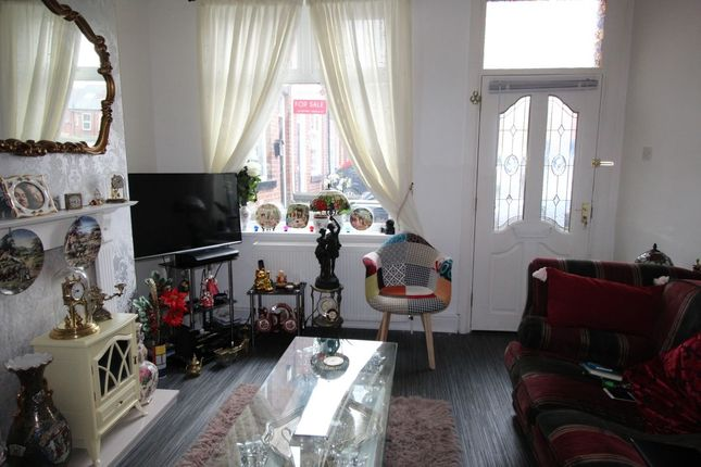 2 bed terraced house to rent in Holme Close, Hillsborough, Sheffield