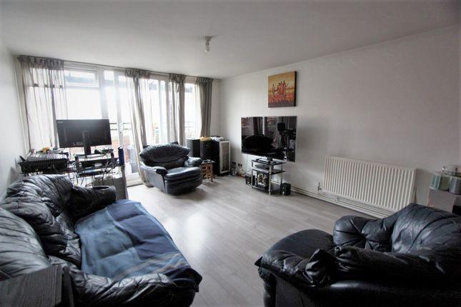 2 bed flat for sale in Fladbury Road, London N15