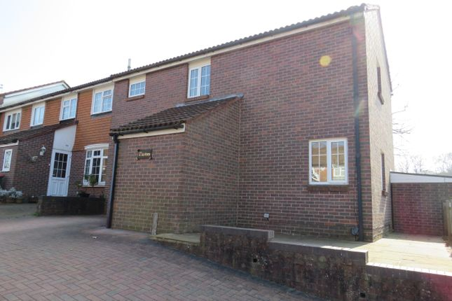 Thumbnail Property to rent in Ambleside Close, Ifield, Crawley