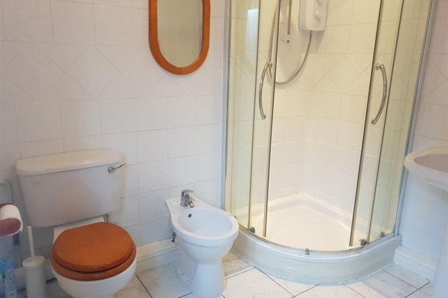 Bathroom of Linden Road, Creswell, Worksop S80