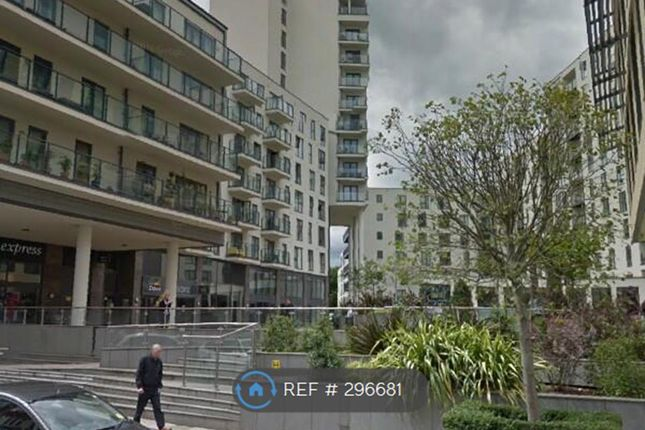 Thumbnail Flat to rent in Cardinal Place, Woking