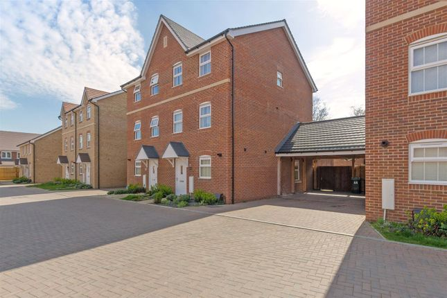 Thumbnail Town house for sale in Clifford Crescent, Sittingbourne