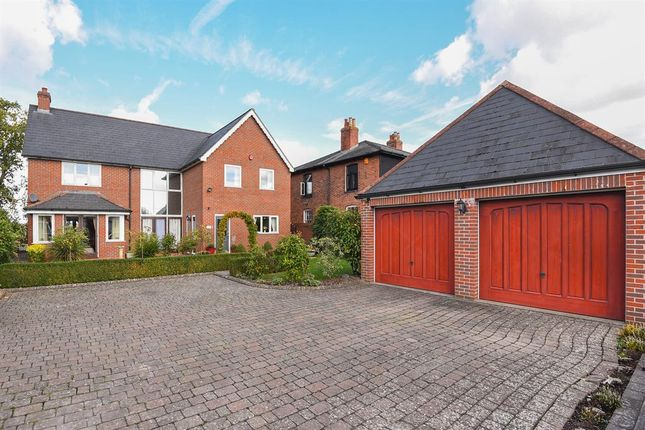 Thumbnail Detached house for sale in 258, Kings Acre Road, Hereford