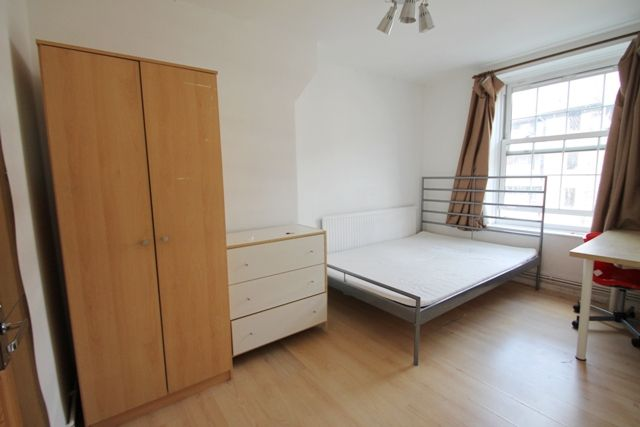 3 bed flat to rent in Tiverton Street, Borough