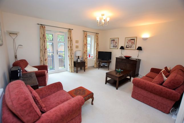 Thumbnail Flat for sale in Sycamore Road, Farnborough