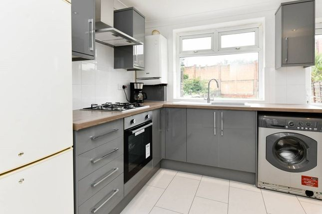 Thumbnail Terraced house to rent in Lonsdale Ave, East Ham / Upton Park