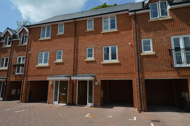 Thumbnail Property to rent in Barrel Mews, Horndean, Waterlooville