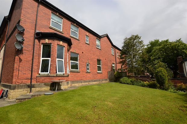 Thumbnail Flat to rent in Neilston Rise, Lostock