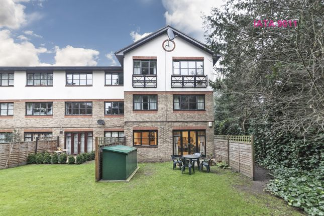 Thumbnail Terraced house for sale in Parkside, London