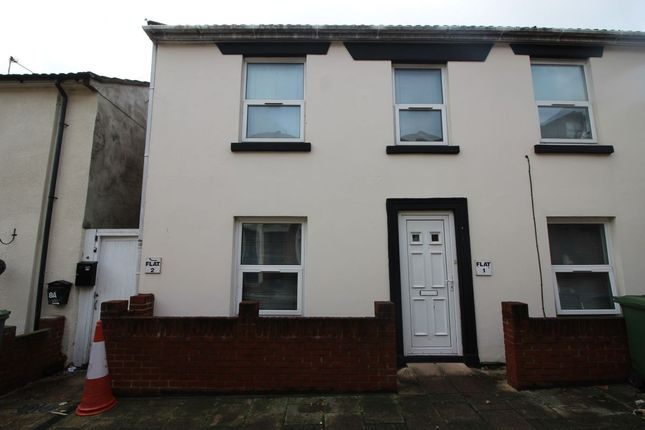 Thumbnail Flat to rent in Lyon Street, Southampton