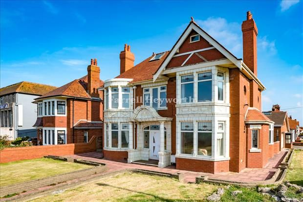 Thumbnail Property for sale in Queens Promenade, Blackpool