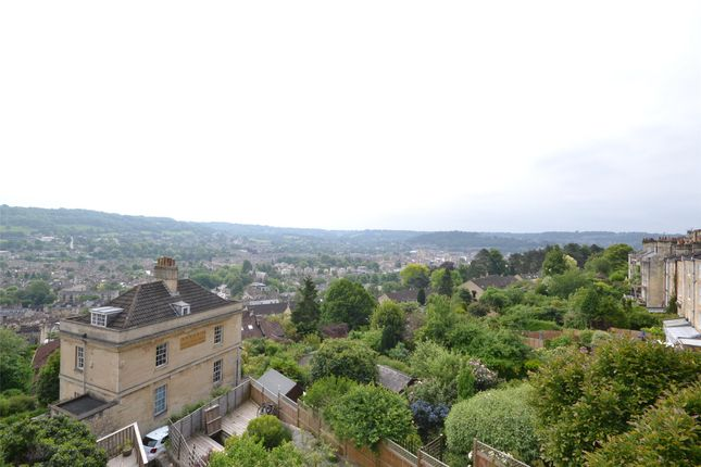 Thumbnail Maisonette to rent in Masionette, Lower Camden Place, Bath