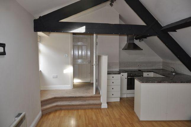 Thumbnail Flat to rent in Cross Street, Barnstaple