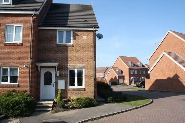 Thumbnail End terrace house to rent in Angus Close, Winnersh, Wokingham
