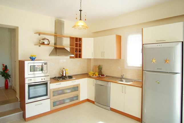 Thumbnail Terraced house to rent in Purves Road, Kensal Rise, London